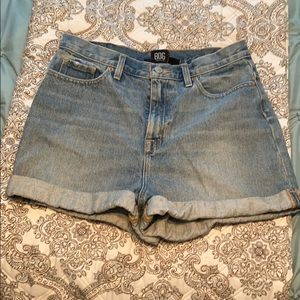Mom high rise Urban Outfitters Jean shorts